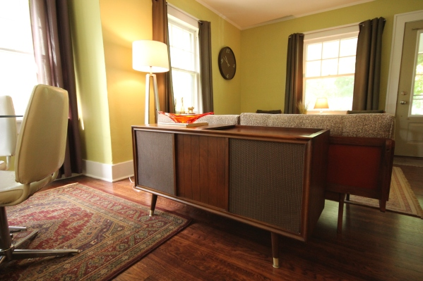1964 RCA Victrola Record Player Console