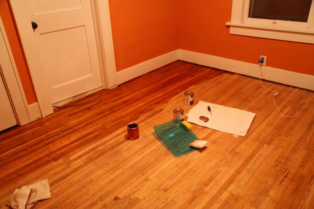 Applying pre stain/wood conditioner and stain to wood floors